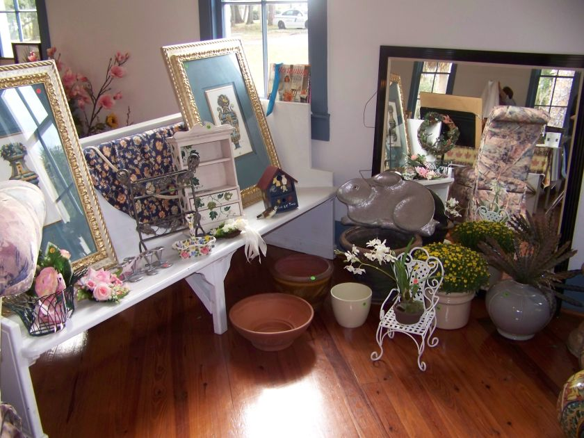 Garden and home decor items will be for sale to raise funds for the Historical Society of Sarasota County