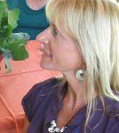 Sharon Fitzpatrick shows how to make natural, Sarasota, metal-free jewelry
