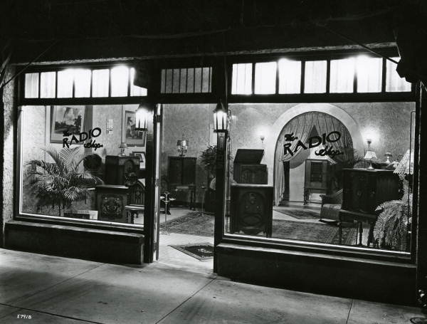 Miami radio shop, 1920's, from floridamemory.com