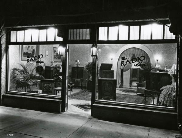 Miami radio shop, 1920's, from floridamemory.com