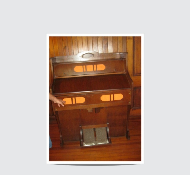 Before repair pump organ