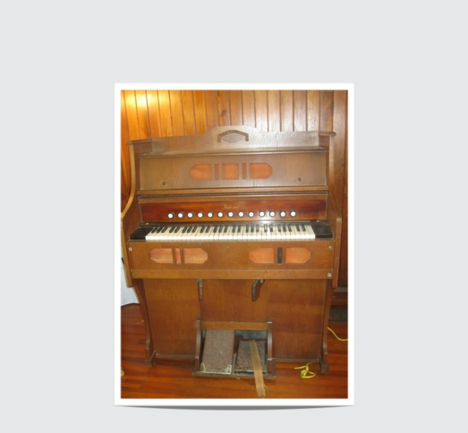 Photo from Pump Organ Before Repair July 2014