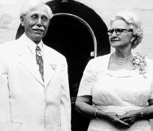 AB Edwards and his wife Fannie Lowe